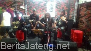 Imitasi Band On Stage Bengkelz Cafe